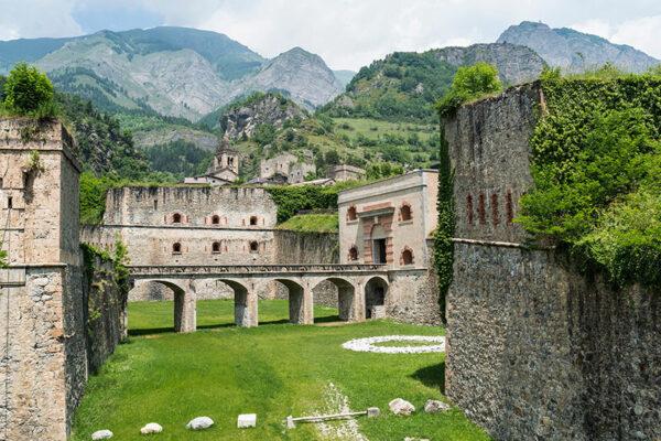Vinadio, per una vacanza tra storia, natura e relax